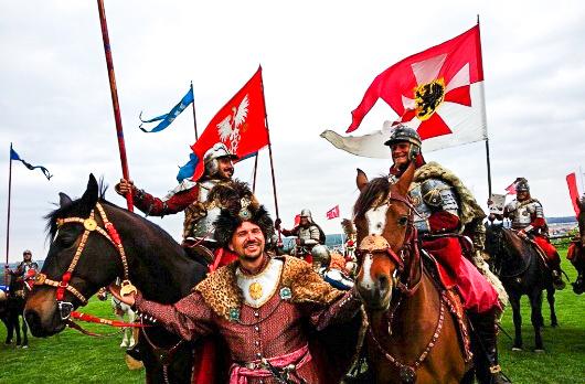 Pokaz Podlaskiej Chorągwi Husarskiej podczas Dni Augustowa